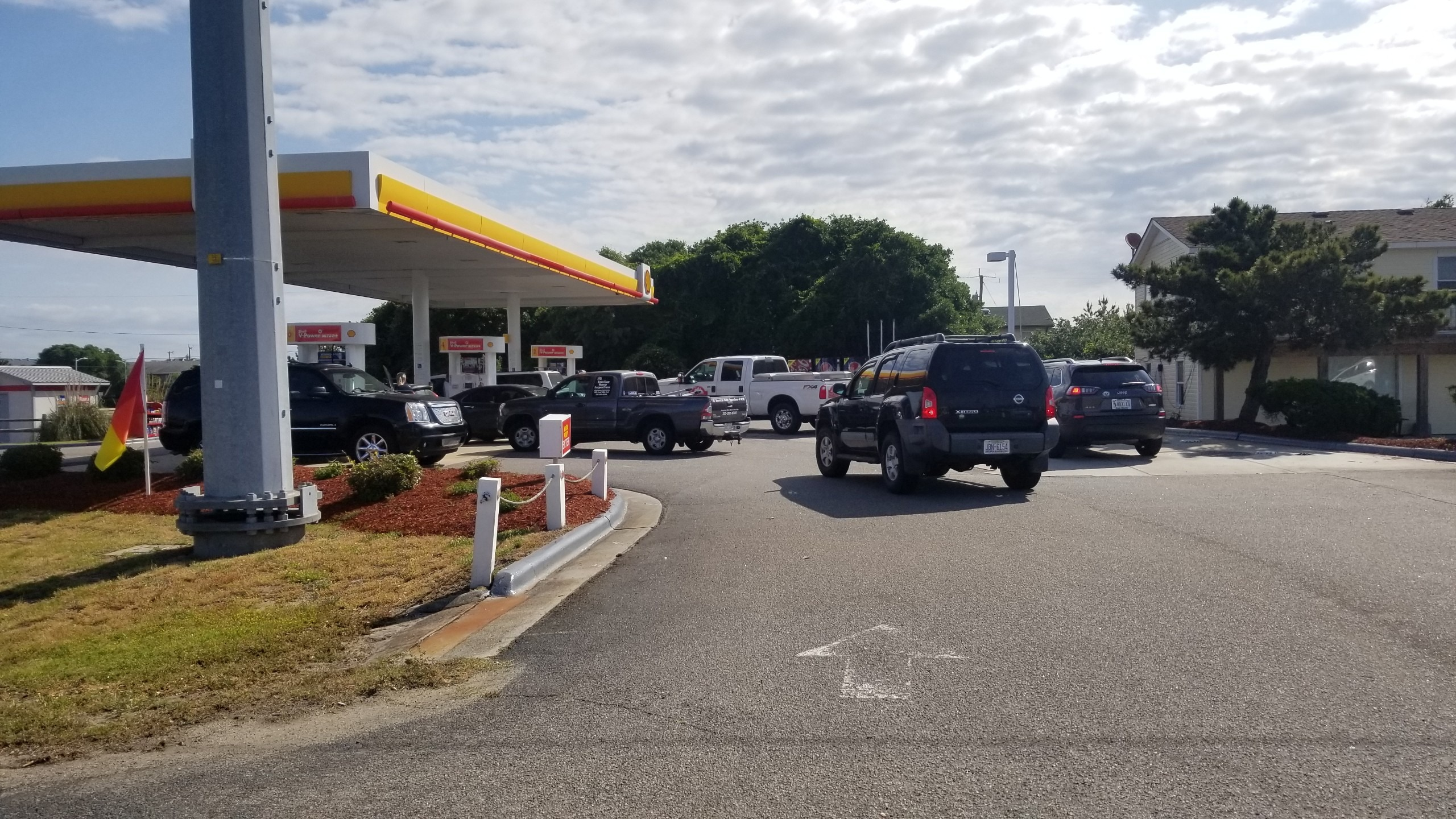 Panic buying causes long lines, rising prices at gas stations across the Outer Banks - OBXToday.com